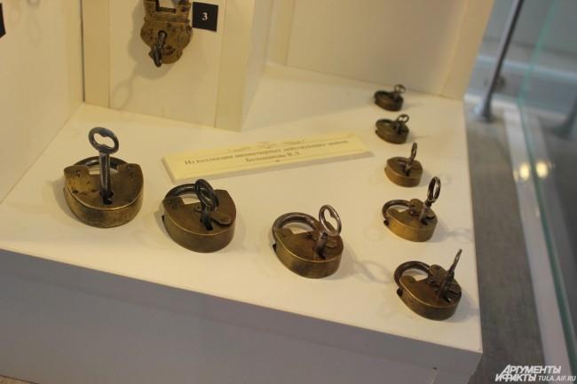 Миниатюрные действующие замки из коллекции Большакова