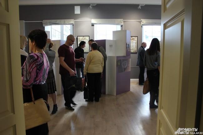 Гости выставки с интересом разглядывали экспонаты