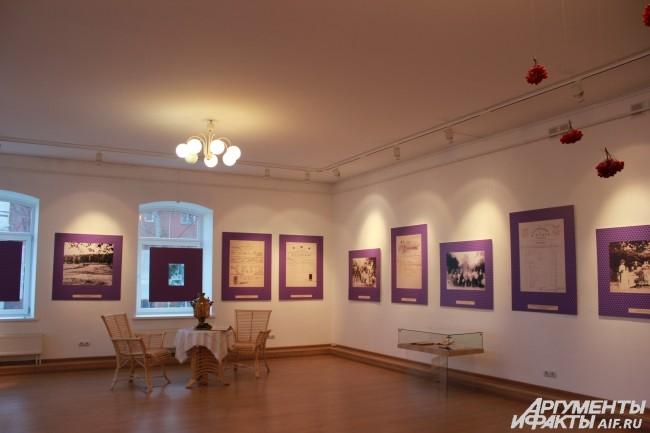 """Выставочный зал галереи """"Ясная Поляна"""""""