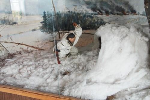 Центральным объектом экспозиции является диорама, наглядно показывающая подвиг героя.