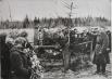 Фотография с похорон героя близ деревни Чернушки. В 1948 году останки героя были перезахоронены на площади в городе Великие Луки.