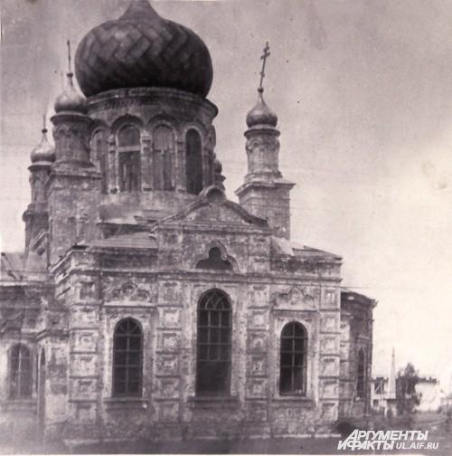 Так выглядел храм в 1989 году – перед началом восстановления.