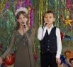 Счастливые дети в качестве «ответного слова» приготовили для гостей концерт. Песни были о детстве, Новом годе и чудесах, которые сбываются.