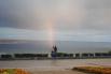Только что прошёл дождь. Над Волгой – осенняя радуга.