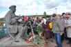 К памятнику Пластова возложили цветы