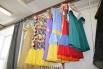 Эти яркие платья на актрисах екатеринбуржцы увидят в оперетте «Герцогиня из Чикаго»