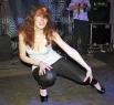Участницы пытались завладеть сердцами зрителей и жюри разными способами. Очень популярный талант - танцы.