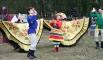 Выступление фольклорных коллективов, в частности Уральского народного хора, более чем гармонично вписывалось в атмосферу ярмарки народных промыслов
