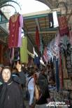 Крестный путь Спасителя сегодня заполонен торговыми лавками.