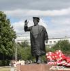 Ради знаменательного дня академической шапочки удостоился даже памятник Кирову