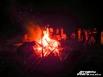 После всех развлечений, подношений даров и требы богам, всеобщего Коло (сложного хоровода) вокруг Крады (священный костер), все желающие могут зажечь от огня костра Огневицы, чтобы загадать духовные желания.