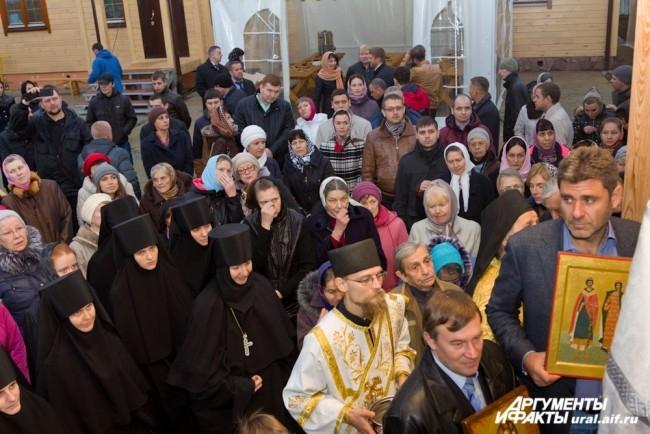 В богослужение приняли участие прихожане храма благоверный князей Бориса и Глеба.