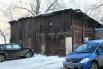 Это не гаражи, это сарайки во дворе дома на улице Пушкина. Отсюда Олег Митяев списывал слова своей песни.