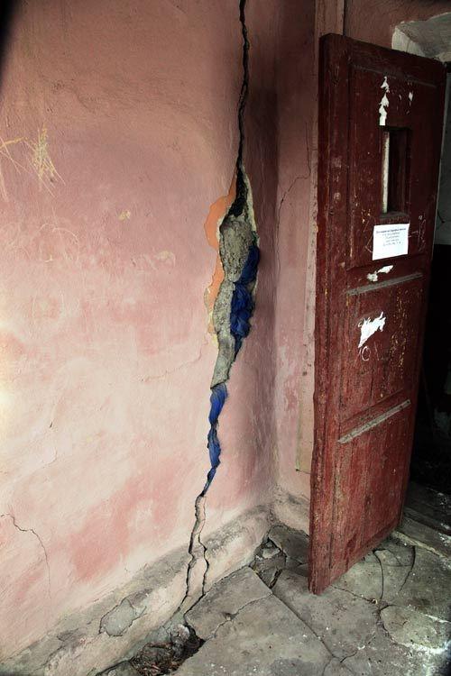 В первую очередь будут переселены жители двух, наиболее пострадавших домов по улице Проходчиков.