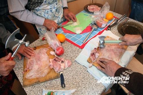 Молотки для отбивания мяса выглядят внушительно