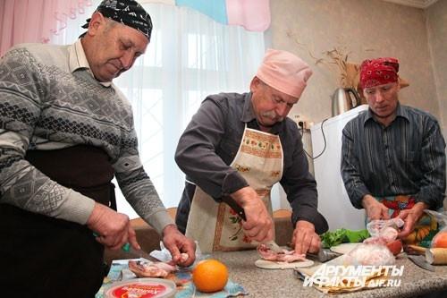 Для конкурса многие участники выбрали приготовление мясных блюд
