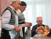 Теперь очередь дедушек показать свое кулинарное мастерство