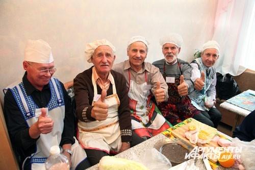 Кто бы не выиграл в конкурсе, готовить и изобретать понравилось всем дедушкам!