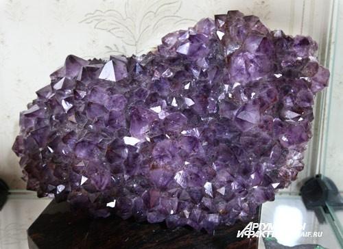 Многие камни настолько красивы, что кажутся неестественными.