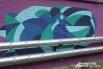 Эту красоту можно увидеть на кирпичных стенах-ограждениях вдоль улицы Лесопарковой.