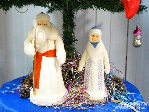Дед Мороз и Снегурочка из папье-маше 60-х годов