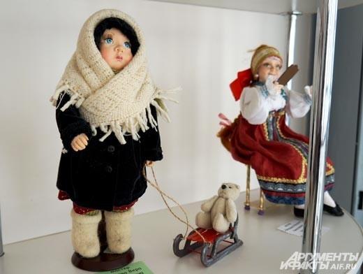 Современные мастера стремятся проработать в кукле каждую мелочь, стараясь выполнять вручную если не все, что большую часть элементов.
