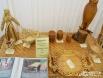 Своё место на выставке нашли изделья из лозы и дерева.