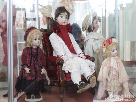Этим аристократкам по 120 лет, они пережили своих хозяев и их сверкающие глаза приглашают белгородцев окунуться в сказочный и удивительный мир.