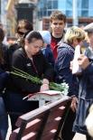 Белгородцы ставят свои подписи
