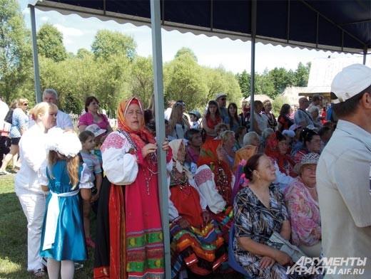 зрители и участники фестиваля