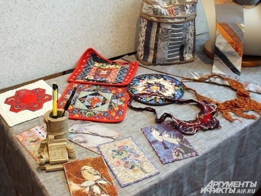 Текстильные открыки, чехлы для телефонов, прихватки уникуальны в своем роде