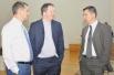 Виорел Бологан, Найджел Шорт и Александр Онищук между партиями