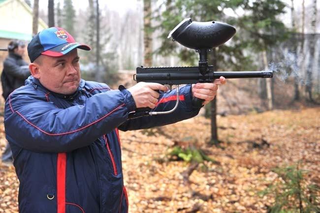 Сергей Рублевский  не прочь поиграть в пейнтбол