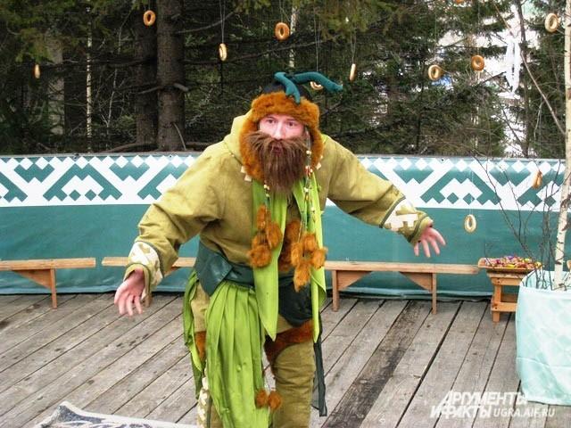В современной трактовке  праздника у вороны появляются друзья - например, Леший, традиционный персонаж славянского фольклора.