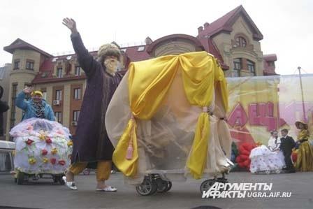 И турецкий шейх на карете приехал.