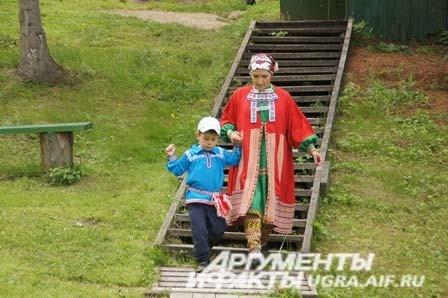 Коренные народы севера показали пример воспитания молодого поколения в своих традициях