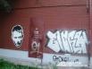 Этот черно-белый трафарет занял стену  одного из домов по улице Гагарина