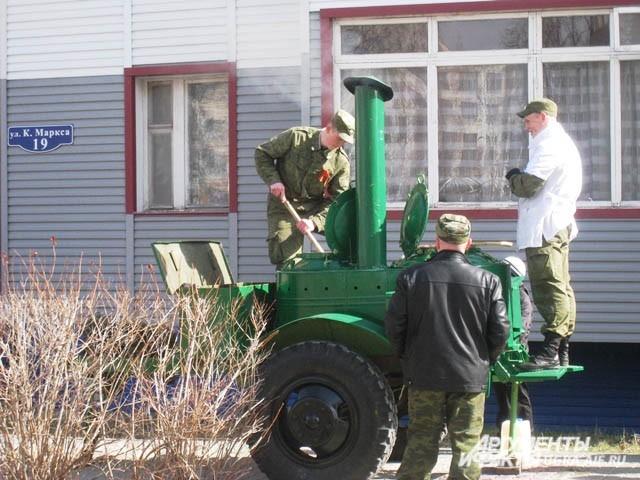 Жители города могли отведать настоящей солдатской каши