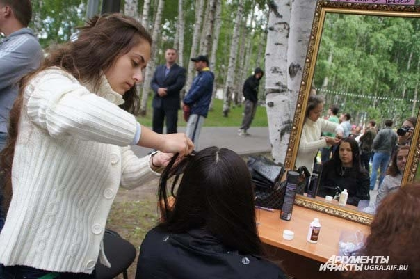 Кроме того студия красоты «А-ля коSа» показали всем мастер-классы по плетению косичек.