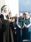 Всем детям раздали иконки Покрова Пресвятой Богородицы с Патриаршим благословением.