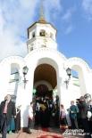 Патриарх Кирилл совершил молебен в храме Покрова Пресвятой Богородицы.