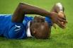 Нападающий сборной Италии Марио Балотелли плачет после окончания финального матча ЕВРО-2012 между