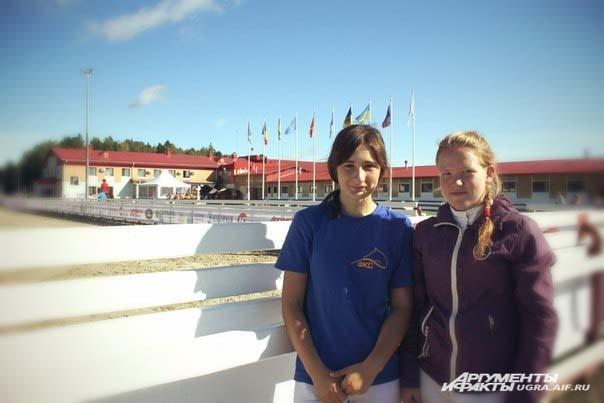 Жижина Анастасия: «Я выступаю на лошади по кличке Точенный.Мне здесь очень понравилось. Ханты-Мансийск – красивый город. Мы были в музее, съездили на ваши знаменитые «Мамонты»