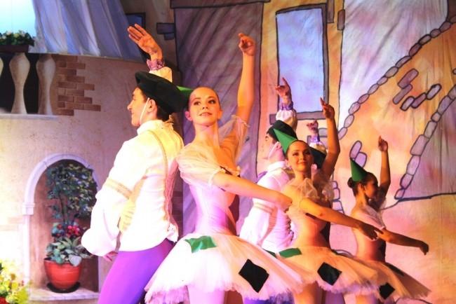 Балет показали на сцене Центра искусств для одаренных детей Севера абсолютно бесплатно.