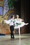 Кстати, в начале XX века «Арлекинаду» танцевали на сцене Мариинского театра лучшие артисты страны. Этот балет даже исполняли персонально для царской семьи.