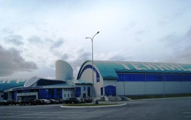 Еще один спортивный объект – Центр развития теннисного спорта также имеет интересную архитектуру. Центр считается одним из самых крупных на Урале. В нем располагаются 7 кортов, при этом на самом большом из них свободно размещаются 3,5 тысячи зрителей.