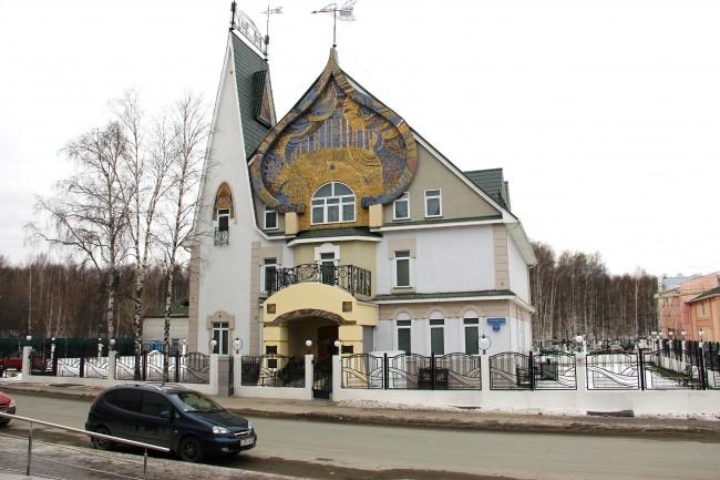 Дом-музей В.А. Игошева похож на сказочный домик. Этот музей был создан при жизни художника — 28 октября 2001 года, в день 80-летия Мастера. Архитектура Дома-музея с элементами русского модерна отсылает к искусству рубежа 19-20 веков.