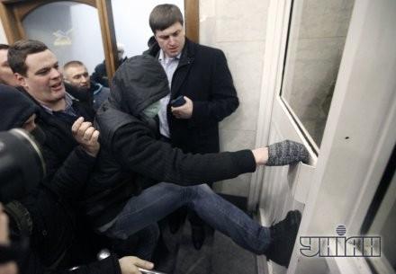 """Народные депутаты от ВО """"Свобода"""" Андрей Ильенко, слева, и Олег Осуховский, справа"""