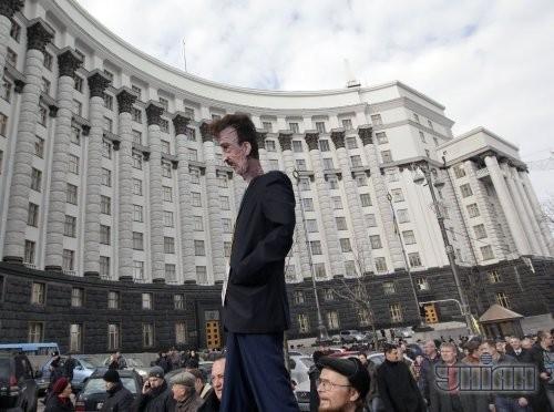 Чучело председателя КГГА Александра Попова
