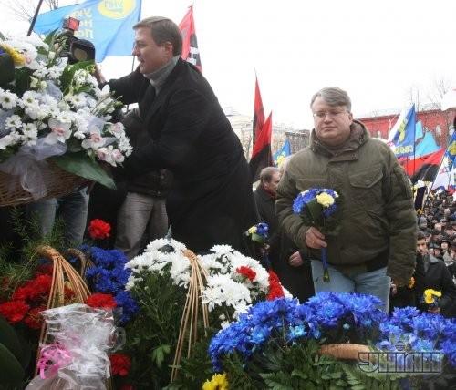 Депутат от «Батькивщины» Николай Катеринчук и депутат от «Свободы» Андрей Мохник